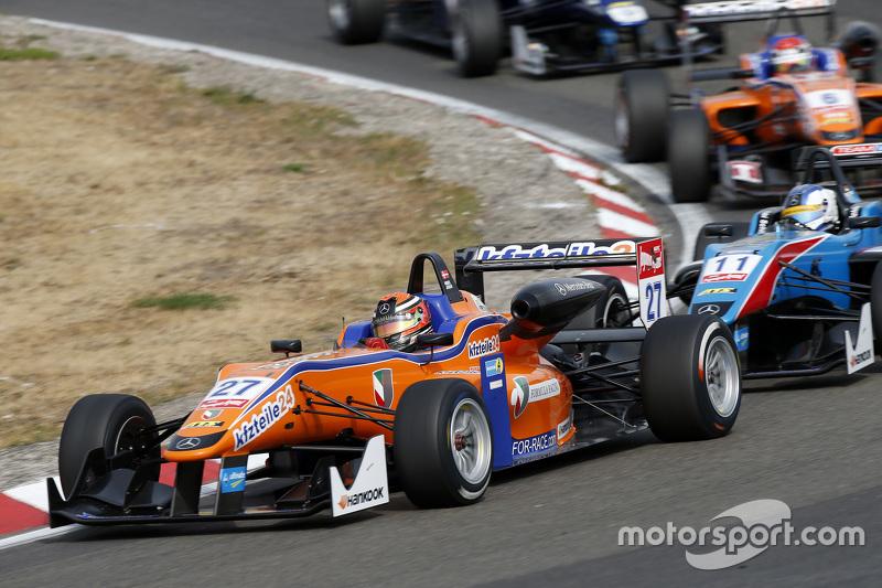 Mikkel Jensen, Mücke Motorsport Dallara Mercedes-Benz ve Fabian Schiller, Takımı West-Tec F3 Dallara