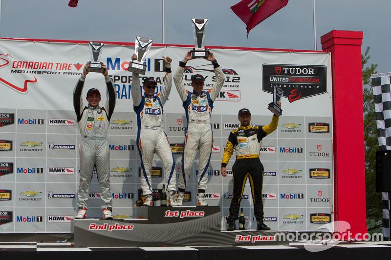 PC подіум: переможець гонки #54 CORE autosport Oreca FLM09: Джон Беннетт, Колін Браун, друге місце #
