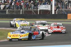 Luis Jose di Palma, Inde car Racing Torino, dan Matias Rossi, Donto Racing Chevrolet, dan Norberto Fontana, Laboritto Jrs Torino, dan Mauricio Lambiris, Coiro Dole Racing Torino
