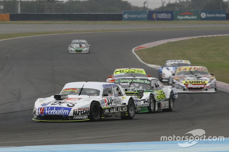 Leonel Sotro, Alifraco Sport Ford, dan Emiliano Spataro, UR Racing Dodge, dan Jonatan Castellano, Ca