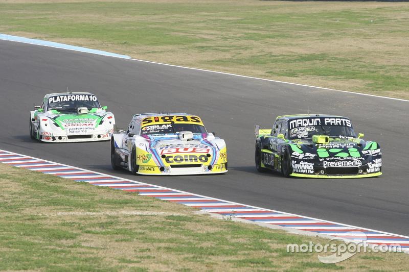 Mauro Giallombardo, Maquin Parts Racing Ford, dan Mauricio Lambiris, Coiro Dole Racing Torino, dan S