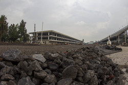 Autódromo Hermanos Rodríguez, recta principal y paddock