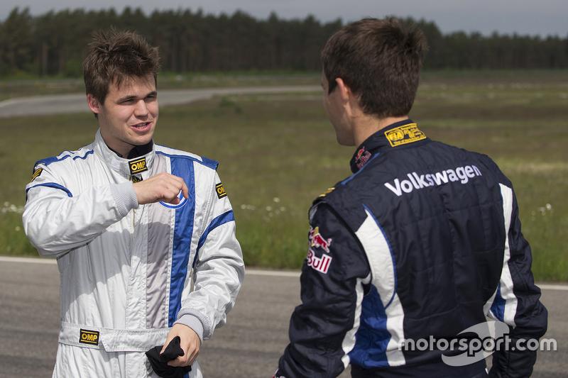 Sèbastien Ogier , dan Chess champion Magnus Carlsen test the VW Polo R