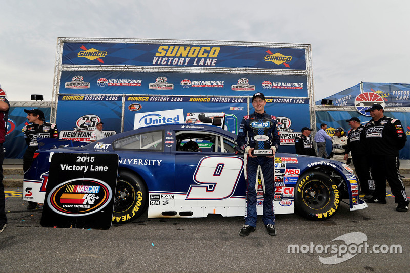 Juara balapan William Byron