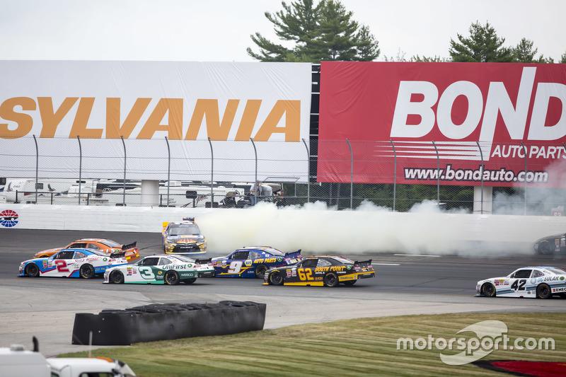 Denny Hamlin, Joe Gibbs Racing Toyota melintir