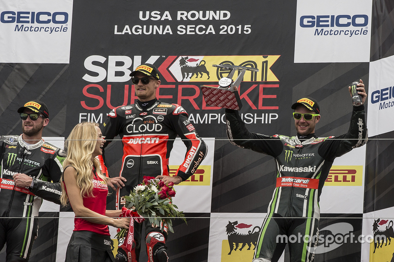 Podium: race winner Chaz Davies, Ducati Team, second place Tom Sykes, Kawasaki Racing, third place J
