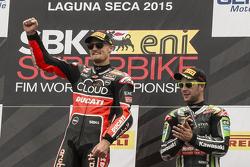 Подіум: переможець гонки Чаз Девіс, Ducati Team, третє місце Jonathan Rea, Kawasaki Racing
