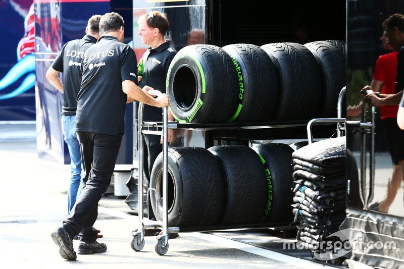 Federico Gastaldi, Lotus F1 Team Deputy Team Principal with Pirelli tyres