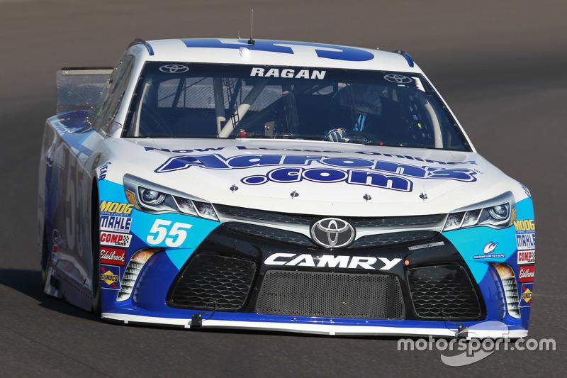 David Ragan, Michael Waltrip Racing Toyota dalam masalah