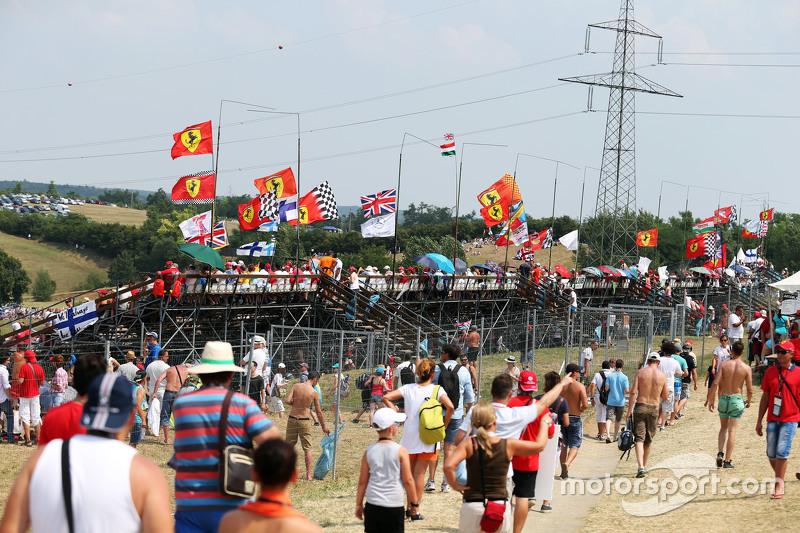 Fans dan atmosfer