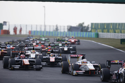 Stoffel Vandoorne, ART Grand Prix & Rio Haryanto, Campos Racing, at the start