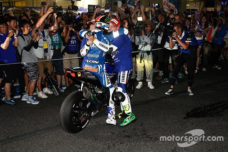 Para juara balapan #21 Yamaha: Katsuyuki Nakasuga, Pol Espargaro, Bradley Smith
