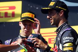 Даниил Квят, Red Bull Racing и Даниэль Риккардо, Red Bull Racing на подиуме
