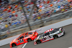 Justin Allgaier, HScott Motorsports Chevrolet and Ryan Newman, Richard Childress Racing Chevrolet