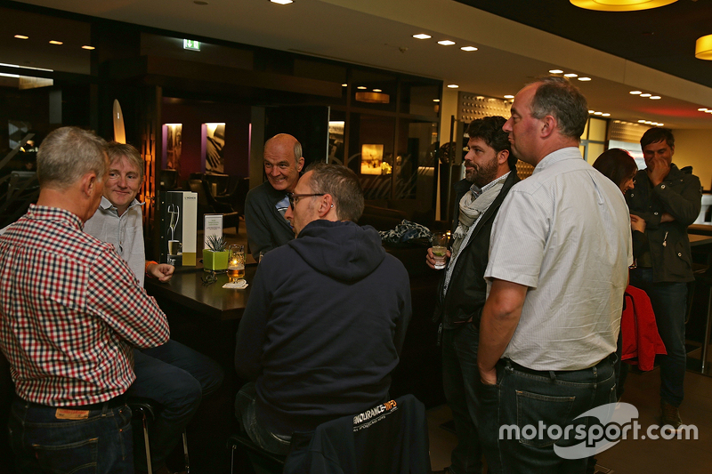 Dr. Wolfgang Ullrich, head of Audi Sport enjoys a beer with media