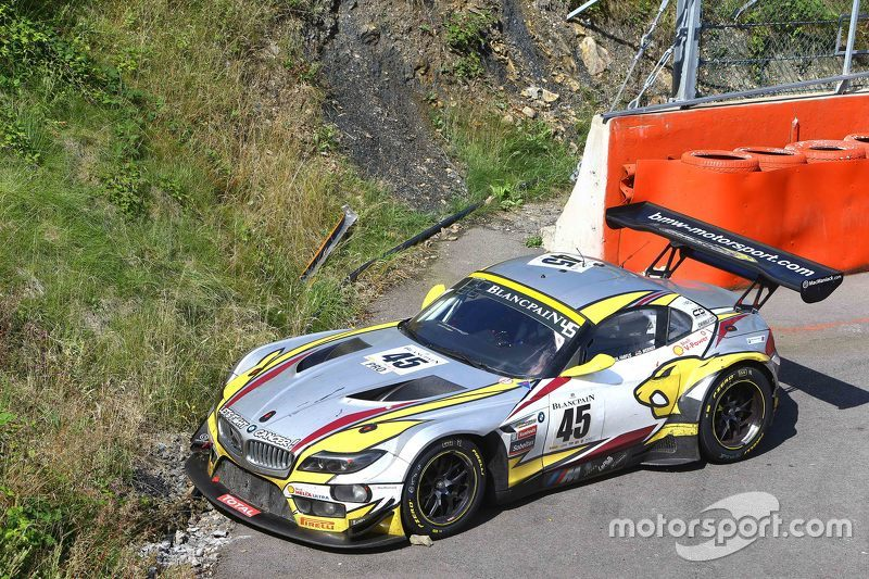 #45 Marc VDS Racing Team BMW Z4: Maxime Martin, Augusto Farfus, Dirk Werner stopped on track