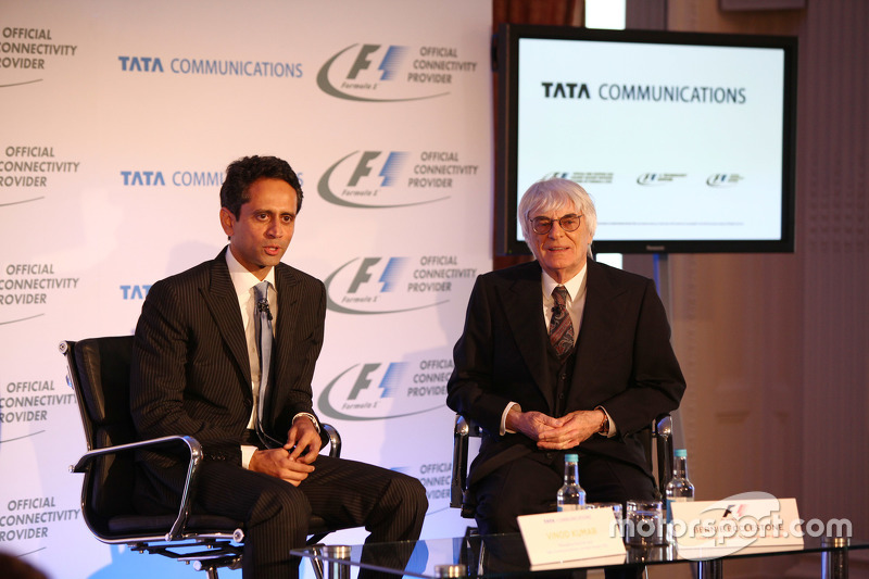 Vinod Kumar, MD & CEO, Tata Communications en Bernie Ecclestone