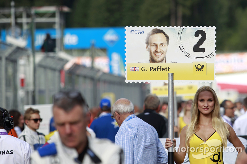 Gridgirl of Gary Paffett, ART Grand Prix Mercedes-AMG C63 DTM
