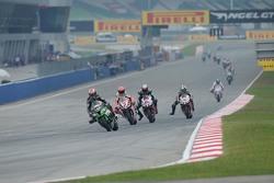 Jonathan Rea, Kawasaki; Max Biaggi, Aprilia Racing Team; Jordi Torres, Aprilia Racing Team