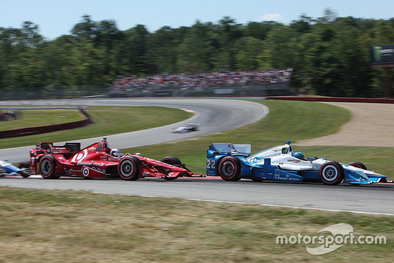 Simon Pagenaud, Team Penske Chevrolet, dan Scott Dixon, Chip Ganassi Racing Chevrolet