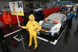 Gridgirl of Maximilian Götz, Mücke Motorsport Mercedes-AMG C63 DTM