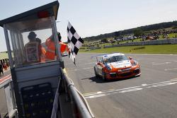 Pemenang balapan: Dan Cammish: Redline Racing