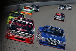 Austin Dillon, GMS Racing Chevrolet y Ryan Blaney, Brad Keselowski Racing Ford