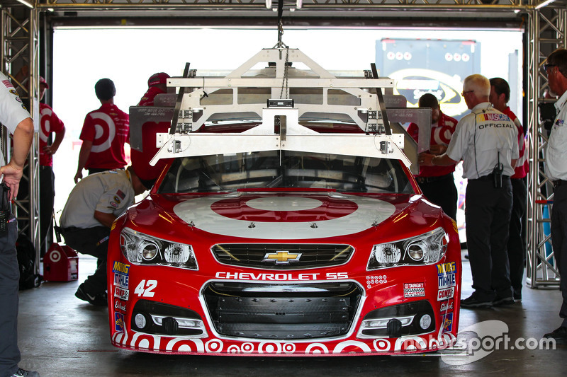 Kyle Larson, Chip Ganassi Racing Chevrolet goes through tech inspection
