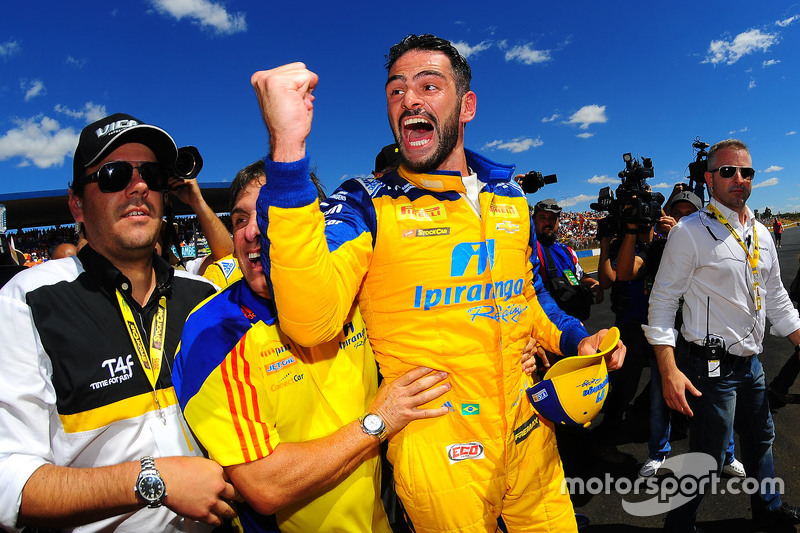 Race winner Thiago Camilo celebrates
