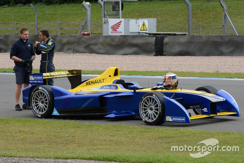 Sébastien Buemi, Renault e.Dams stops on track