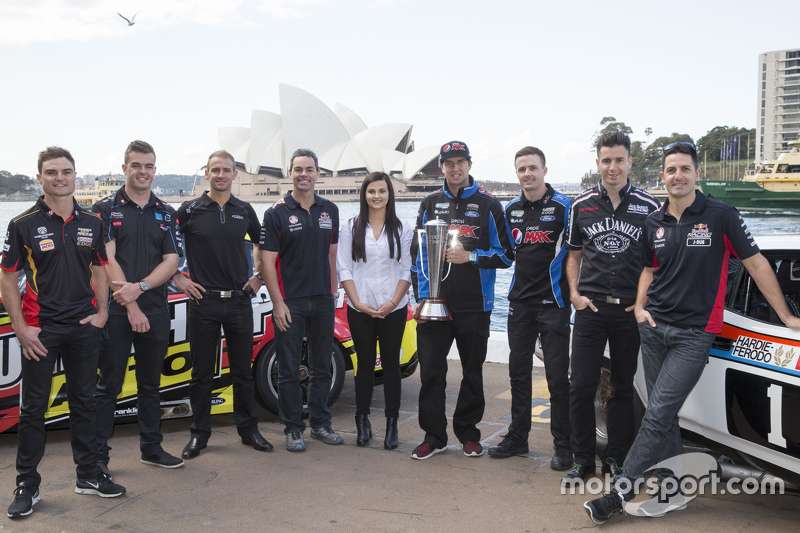 Para pembalap V8 Supercars Tim Slade, Scott McLaughlin, Will Davison, Craig Lowndes, Renee Gracie, Chaz Mostert, Mark Winterbottom, Rick Kelly dan Jamie Whincup