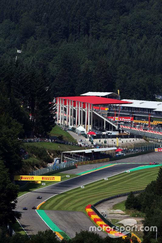 Lewis Hamilton, Mercedes AMG F1 W06 leads Jenson Button, McLaren MP4-30 and Marcus Ericsson, Sauber