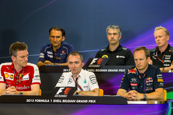 Прес-конференція FIA: Giampaolo Dall'Ara, Sauber F1 Team Head of Track Engineering; Нік Честер, Lotu
