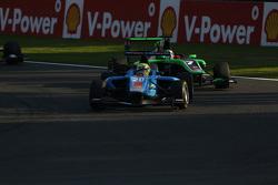 Пел Вархауг, Jenzer Motorsport лідирує  Себ Морріс, Status Grand Prix