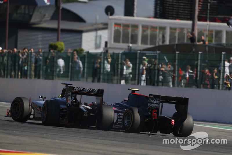 Нік Йеллолі, Hilmer Motorsport & Нобухару Мацушіта, ART Grand Prix зіткнулися