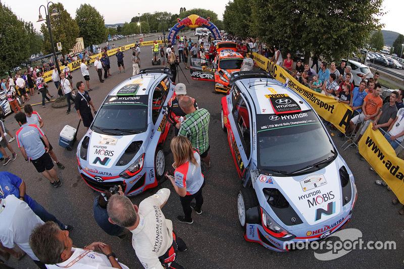 Daniel Sordo dan Marc Marti, Hyundai i20 WRC, Hyundai Motorsport dan Hayden Paddon dan John Kennard, Hyundai i20 WRC, Hyundai Motorsport