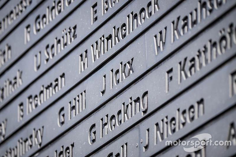 Die Siegertafel am Nürburgring