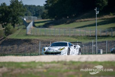 Ferrari 488 GTE testing