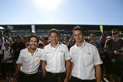 Lucas di Grassi, Loic Duval, Oliver Jarvis, Audi Sport Team Joest