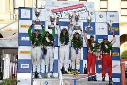 Podio: il vincitore Paolo Andreucci, Peugeot Sport Italia, secondo Alessandro Perico, P.A. Racing, terzo Giandomenico Basso, BRC