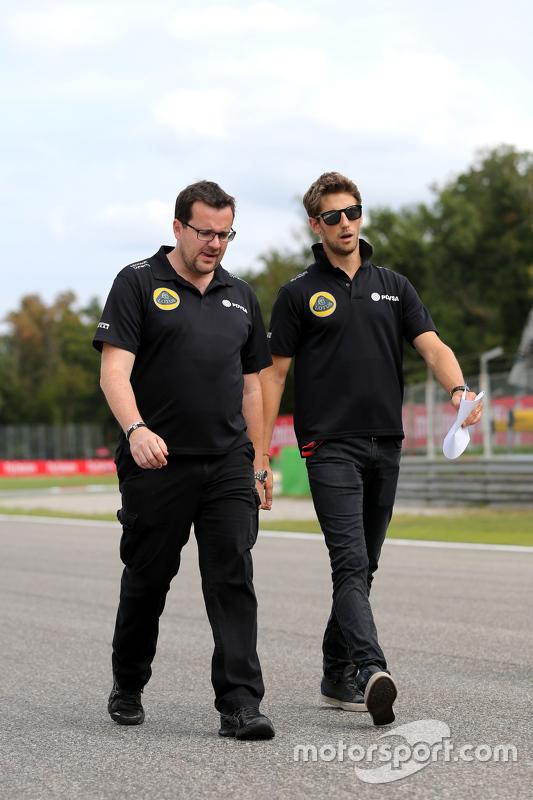 Romain Grosjean, Lotus F1 Team en ingenieur Julien Simon-Chautemps