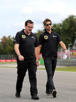 Romain Grosjean, Lotus F1 Team Julien Simon-Chautemps, Romain Grosjean race engineer, Lotus F1 Team