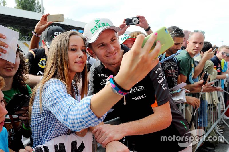 Ніко Хюлкенберг, Sahara Force India з фанатами