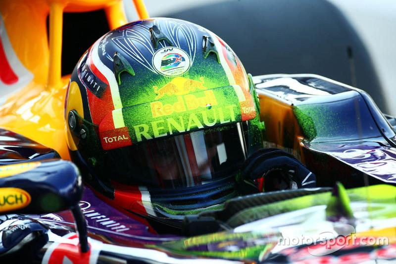 Daniil Kvyat, Red Bull Racing RB11 with flow-vis paint on his helmet