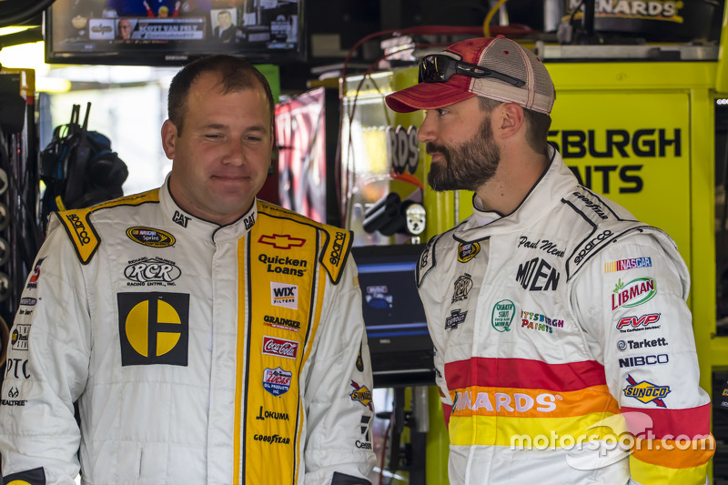 Ryan Newman, Richard Childress Racing Chevrolet and Paul Menard, Richard Childress Racing Chevrolet