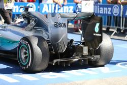 Lewis Hamilton, Mercedes AMG F1 rear tyres
