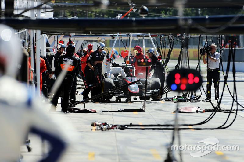Fernando Alonso, McLaren MP4-30, mit Ausfall