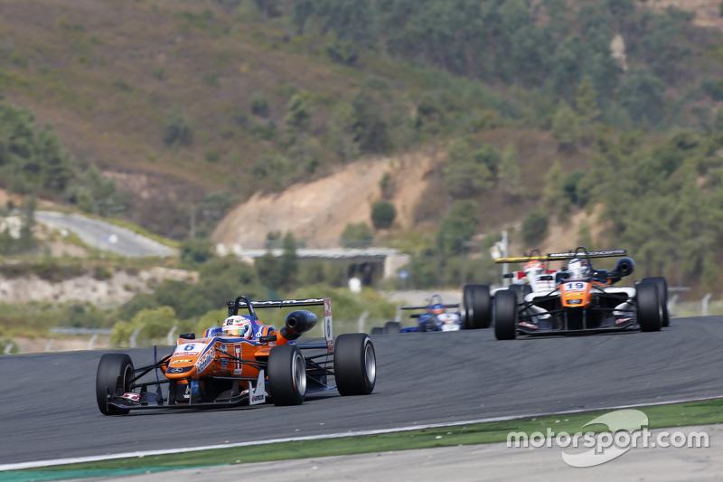 Michele Beretta, Mücke Motorsport Dallara Mercedes-Benz ve Matt Solomon, Double R Racing Dallara Mer