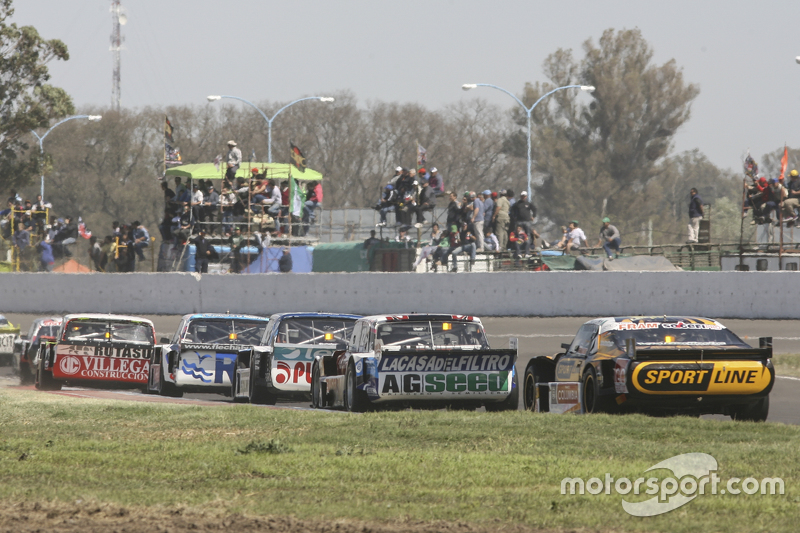 Leonel Pernia, Las Toscas Racing Chevrolet and Emanuel Moriatis, Alifraco Sport Ford and Josito di Palma, CAR Racing Torino