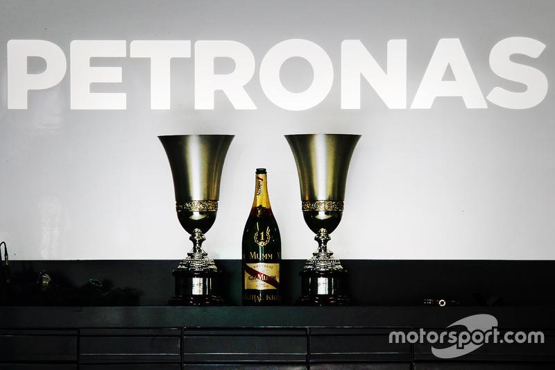 Mercedes AMG F1, Pokale